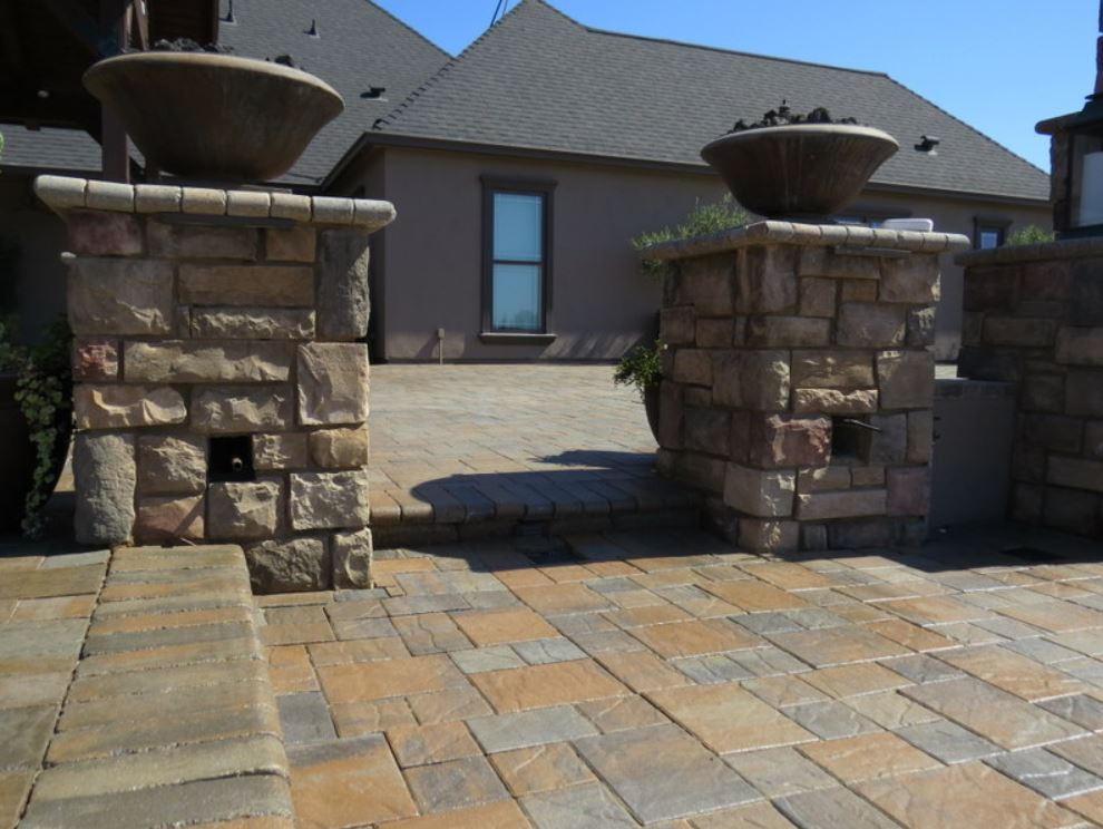 this image shows stone masonry newport beach